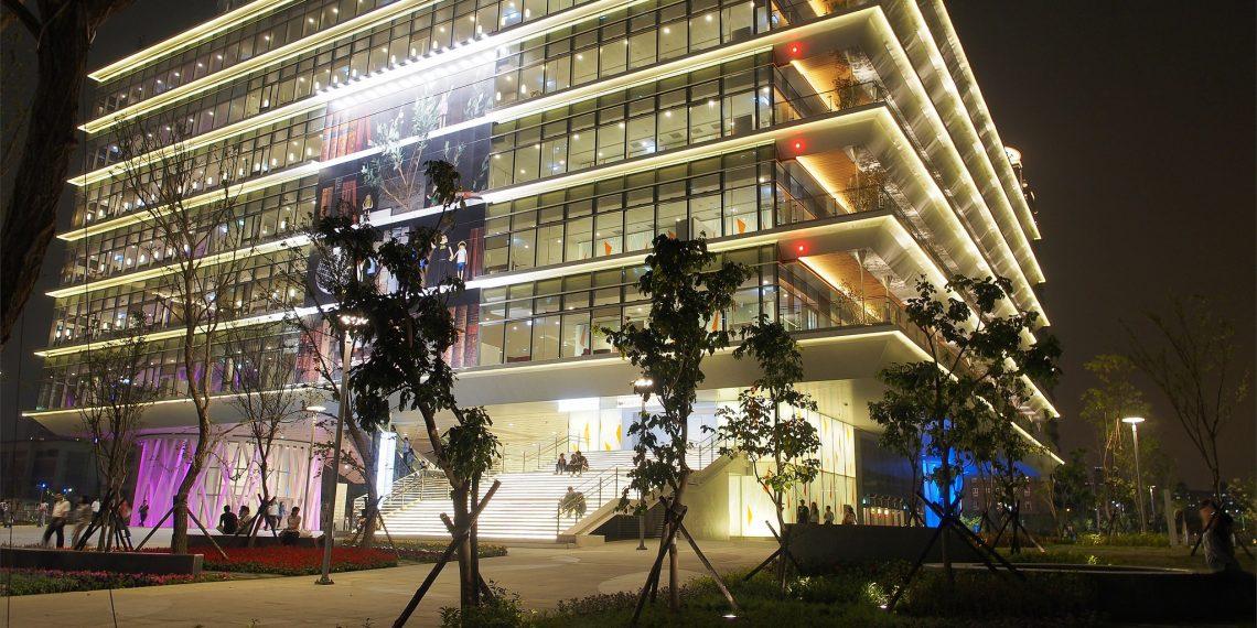 【高雄 Kaohsiung】高雄市立圖書館總館 結合藝術與綠建築的新地標 Public Library