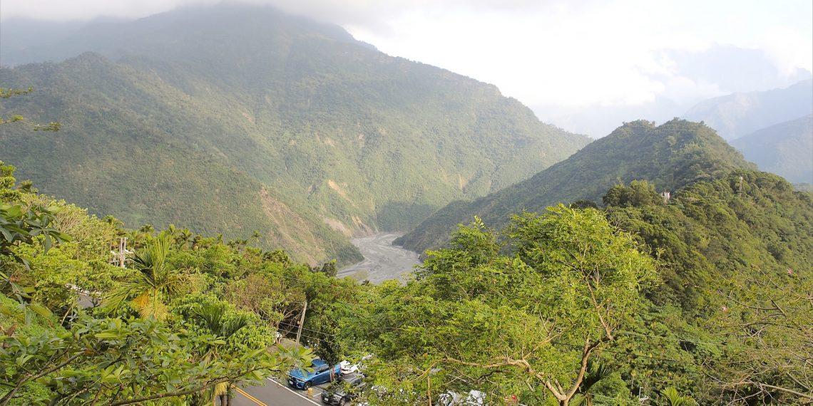 【屏東 Pintung】清靜莊園 三地門半山腰 眺望翠綠群山及市區景色的祕境咖啡館