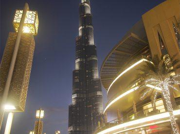 來逛杜拜購物中心Dubai Mall 最不能錯過的還有每天晚上的水舞秀