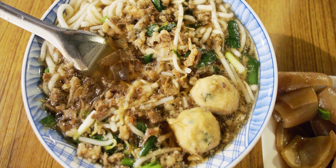 【台東 Taitung】榕樹下米苔目 台東人氣排隊古早味美食 台東正氣路觀光夜市