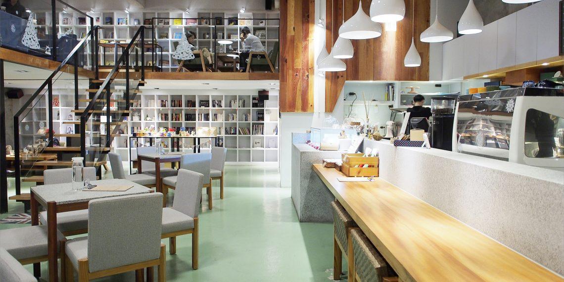 【台東 Taitung】墾墨咖啡Community Cafe'老廠房改裝 品嚐好咖啡與甜點的午茶時光