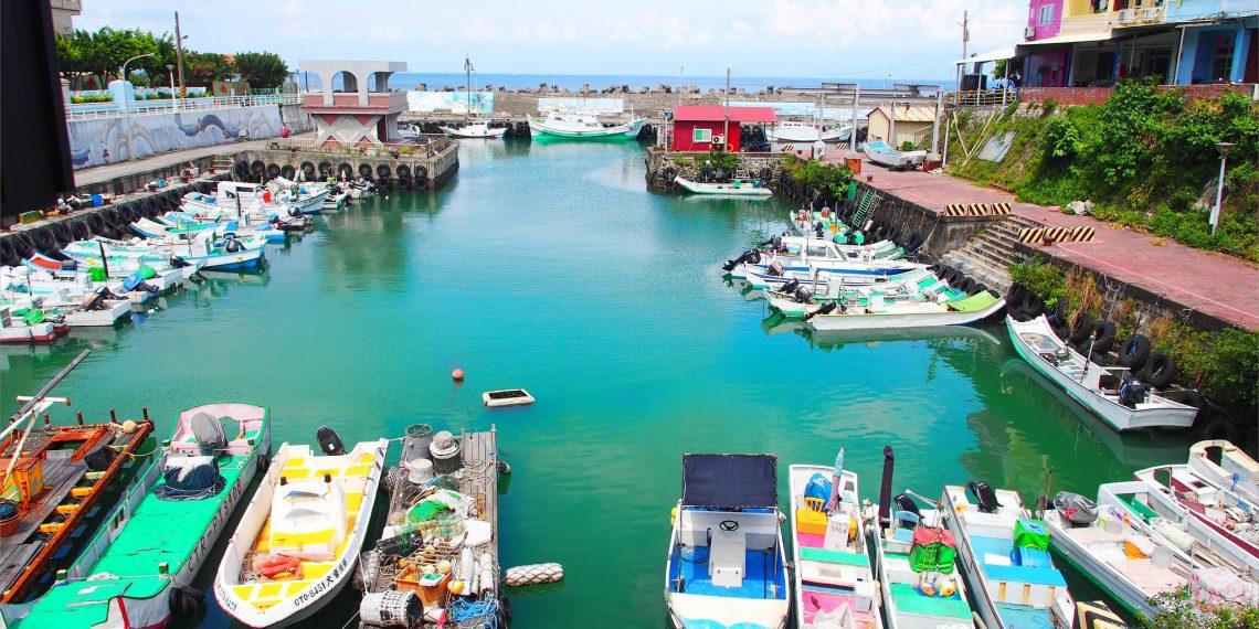 【小琉球 Liuchiu】環島。迷路會讓人上癮 靜謐淺海灘 小漁港相遇海龜 蘇媽媽BBQ吃到飽