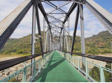 從谷關出來往東勢的方向  會經過東豐自行車綠廊 利用週休二日  來一趟兼顧休閒與健康的綠色之旅