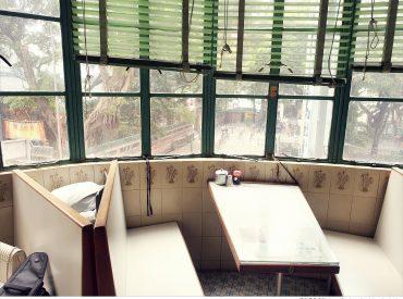 美都茶餐室  是香港傳統的茶餐廳 某次從書本看到照片後  就決定要來拜訪一下 餐廳就在油麻地廟街  離我們住的尖沙咀只有兩站距離