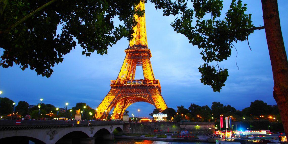 【巴黎 Paris】夜晚的艾菲爾鐵塔 登上鐵塔欣賞夢幻夜巴黎 La Tour Eiffel