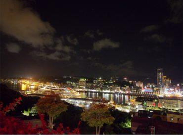 在台北時大多往北海岸跑  很少會想到基隆 這座城市不是第一眼就會吸引目光  走在市區容易忽略一旁的巴洛克老建築 基隆港的發展帶著新與舊的融合  值得讓人細細品味探訪