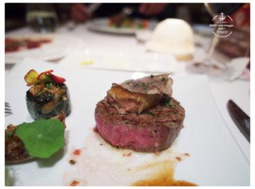 帕莎蒂娜是高雄老牌法式餐廳 還有一間帕莎蒂娜前廚師開的 Thomas Chien 兩間都想來嚐看看 不過後來我們選擇先來帕莎蒂娜法式餐酒館